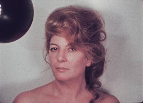 """Un fotogramma di """"Doppio autoritratto"""" (1974)"""