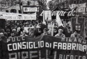 Manifestazione in solidarieta ai feriti di via Mottarone, piazza Prealpi, 2 aprile 1980